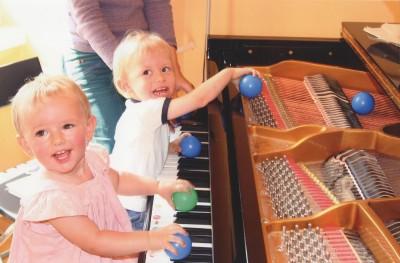 Klavierfoto-mit-Kindern-Amrose2